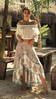 Affordable Boho Fashion Styles Ideas for Spring and Summer - . - Affordable Boho Fashion Styles Ideas for Spring and Summer – - Looks Hippie, Look Hippie Chic, Hippie Chic Fashion, Bohemian Fashion Styles, Boho Chic Style, Boho Looks, Bohemian Look, Hippie Style, Black And White Outfit