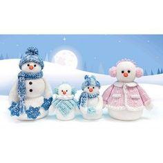 Mary Maxim - Snowman Family Yarn Craft Kit - Christmas - Seasonal
