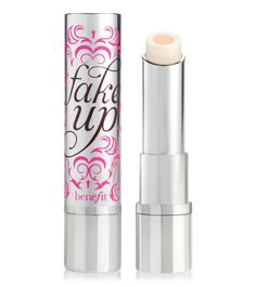 Hydrating concealer hides dark eye circles for an ultra-natural look
