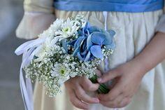 https://blumen-koch.de/de/galerie/1/hochzeit-wedding Blumen für die Brautjungfern - passend zum Kleid