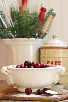 Christmas Home Tour  Come see my house all decorated for Christmas! http://mysoulfulhome.com #christmashometour