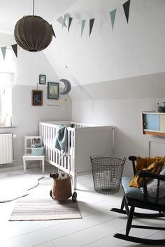 Girlande im Babyzimmer  #baby#boy#beige#girlande#korb#rattan#