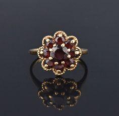 Victorian Style 10K Gold Garnet Cluster Ring #Classic #Cluster #Garnet #Gold #Ring #Victorian #intage #Style #Stacking #9K
