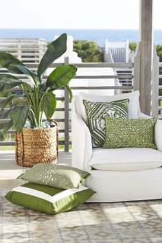 Lacefield Elm Outdoor Pillow Collection #madeintheusa #lacefieldstyle #southernmade