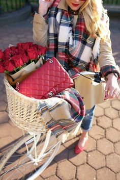 // Atlantic-Pacific: a fall ride // bike basket with red chanel bag and matching red bouquet of roses Winter Fashion Outfits, Autumn Winter Fashion, Fall Outfits, Cute Outfits, Winter Style, Fall Fashion, Plaid Outfits, Classic Fashion, Fashion Sites
