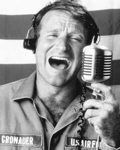 Robin Willams   Goood Morning Veitnam! He was an amazing actor and my heart goes out to his family! RIP Robin! Good Morning Vietnam, Vintage Microphone, Robin Williams, Geek Stuff, Film, Movies, Career, Death, 2016 Movies