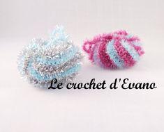 Aujourd'hui on jête l'éponge et on va parler réduction des déchets avec les tawashis. Vous connaissez les tawashis ? Ce sont des éponges japonaises, écologiques car lavables et réutilisables, on les rencontre de plus en plus sur le net, elles peuvent... Crochet Diy, Crochet Simple, Diy Laine, Creative Bubble, Models Men, Creation Couture, Diy Hacks, Diy And Crafts, Bubbles