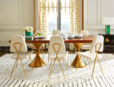 I love, love, love these stunning Jonathan Adler chairs Unique Dining Tables, Luxury Dining Tables, Wooden Dining Tables, Dining Table Design, Dining Chairs, Dining Rooms, Dining Area, Jonathan Adler, Chair Design