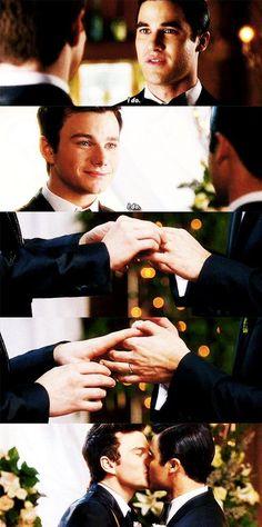 OMGOMGOMGOMGOMG Klaine is married guys. Our lives are complete. ❤️❤️❤️
