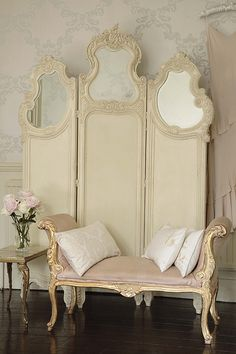 Shabby Chic Furniture In a family room, try to arrange your furniture into centers. French Decor, French Country Decorating, My New Room, My Room, Dressing Screen, Dressing Area, Dressing Rooms, French Style Homes, Bridal Suite