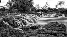 Lobé waterfalls...#longexposure #blackandwhite #landscape #nature #beautiful #masterpice #powerofnature #smooth #photographylovers #photooftheday #picoftheday #instanature #instagood #paradise #cameroontrip #kmrtour #igerscameroon #visiterlafrique #everydayafrica #travel #kribi #africanlandscape #tourism #waterscape
