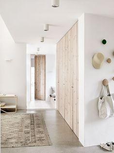Trä, sand och grönskande natur. Familjen Wäborg i Höllviken skapade ett väl…