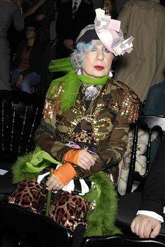 RIP Anna Piaggi  ( her nam was Lola, Lola falana! Lol