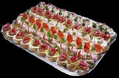 Chlebickove pomazanky Entrees, Sushi, Food And Drink, Appetizers, Snacks, Ethnic Recipes, Lobbies, Appetizer, Hors D'oeuvres