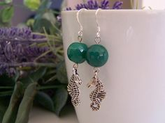 earrings handmade with silver 925 , green agate and silver charm. di SPISIDDI su Etsy