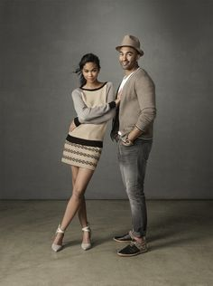 The rolled under seamless / Chanel Iman & Matt kemp for GAP Couple Posing, Couple Portraits, Studio Portraits, Couple Shoot, Studio Photography Poses, Art Photography Portrait, Poses Photo, Pic Pose, Foto Flash