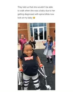 I love how all her classmates were chanting her name😍 Humanity Restored! Sad Love Stories, Touching Stories, Sweet Stories, Cute Stories, Cute Gif, Funny Cute, Funny Babies, Cute Babies, Cute Baby Videos