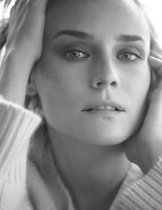 Vogue Paris, Feb 2018, Styling by Celia Azoulay with Diane Kruger. #vogue #vogueparis #paris  #dianekruger #womenwear #women #celiaazoulay #18ss #styling #stylist