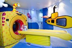 TomografoInfantil submarino amarillo | Submarino amarillo, tema del primer tomógrafo humanizado