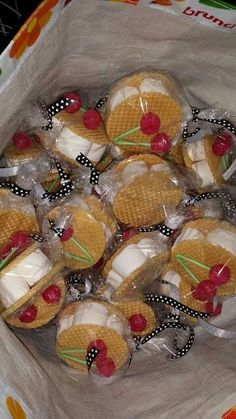 Christian Church Sunday School Treat Bible School Bible Study Potluck Community Dinner What to bring Bring a treat Bring a Dish Kids Party Treats, Birthday Treats, Party Snacks, Birthday Parties, Timmy Time, Food Humor, Funny Food, School Treats, Creative Food