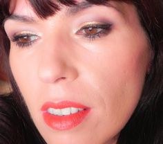 lapinturera - Blog de cosmética, maquillaje y belleza.: Flores de invierno, hoy Copetes (look, manicura y outfit)