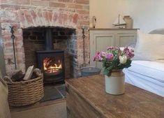 42 Ideas Farmhouse Cottage Living Room Cabinets #farmhouse #livingroom
