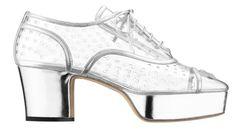 Sandalia realizada en PVC transparente y con cordones de efecto...Chanel