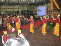 Pa'gellu, one of Toraja's traditional dance.