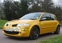 2007 Renault Megane Renaultsport R26 230 F1 Team Liquid Yellow by Steve Coulter Performance Cars.