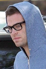OMG!!! . ... . his hoodie, non-shaved and his glasses :) Chris Pine