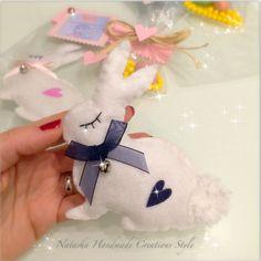 Coniglietto magnete in feltro idea bomboniera by Natasha Handmade Creations Style