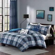 Acquire a remarkable ambience inside your bedroom with this wonderful Intelligent Design Dexter Blue Full or Queen Plaid Comforter Set. Plaid Comforter, Blue Comforter Sets, Twin Comforter Sets, Bedding Sets, Coverlet Bedding, Dorm Bedding, White Coverlet, College Bedding, Intelligent Design