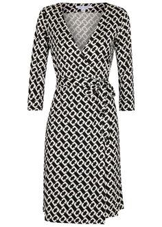 Diane von Furstenberg black and white silk wrap dress Printed Waist tie fastenings at wrap front 100% silk