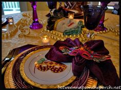 A Mardi Gras Table Setting Celebration | http://betweennapsontheporch.net
