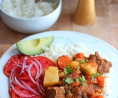 We make them with chicken,fish,beef and pork served over white rice. This Beef Stew in Tomato Sauce (Estofado de Res) is very rich, My Colombian Recipes, Colombian Dishes, Colombian Food, Kitchen Recipes, Cooking Recipes, My Favorite Food, Favorite Recipes, Ground Beef Dishes, Peruvian Recipes