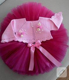 For my baby Crochet Girls, Crochet Baby Clothes, Crochet For Kids, Little Girl Dresses, Flower Girl Dresses, Vestidos Bebe Crochet, Baby Birthday Dress, Sunflower Dress, Sunflower Tattoo Design