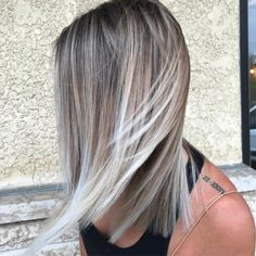 "813 Likes, 4 Comments - Blonde + Balayage + Platinum (@dylanakendal_stylist) on Instagram: ""Windblown️"""