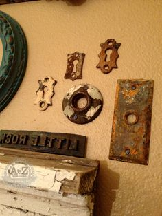 Rusty Keyhole Plates as decor