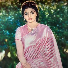 Indian Film Actress, Tamil Actress, South Indian Actress, Indian Actresses, Bollywood Cinema, Bollywood Stars, Beautiful Bollywood Actress, Most Beautiful Indian Actress, Aunties Photos