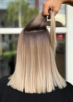 Oct 2019 - Sensational ideas of shadow rooted balayage hair colors for all those ladies who wanna wear some kind of unique hair colors to show off nowadays. This hair color is really best option for women with medium or long hairstyles. Balayage Straight Hair, Blonde Hair With Highlights, Hair Color Balayage, Blonde Balayage, Ombre Hair, Wavy Hair, Hair Color Shades, Hair Color Purple, Blonde Color