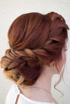 Penteados para madrinhas: 50 ideias do Pinterest, Instagram e afinsSer escolhida comomadrinha de casamentoé uma grande honra, não é...