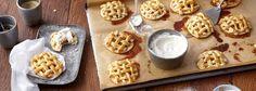 Apple-Pies im Miniformat sind ein garantierter Hit auf der nächsten Party. Probieren Sie die kreativen Cookies ganz einfach selber aus mit unserem REWE Rezept! »