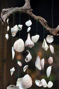 Windspiel aus Muscheln
