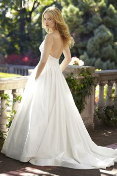 Broadway Star Sutton Foster on Saying Yes to Her Wedding Dress: It ...