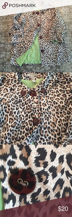 Leopard print jacket💕💕 Super cute leopard print jacket with lime green lining. 27 1/2 inches from shoulder to hem. Great jacket for autumn! Great condition💕 Forever 21 Jackets & Coats Trench Coats