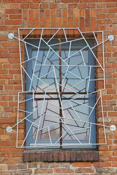 3 Fenstergitter für unser eigenes Gebäude