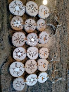 Wood Burned Snowman Christmas Ornaments -- Stacked Snowman Ornaments/Gift Tags The listing is for one stacked snowman ornament - each will be slightly different as each wood disc has its own markings. Snowman Christmas Ornaments, Wood Ornaments, Christmas Wood, Homemade Christmas, Christmas Crafts, Snowflake Ornaments, Christmas Wrapping, Wood Slice Crafts, Wood Burning Crafts