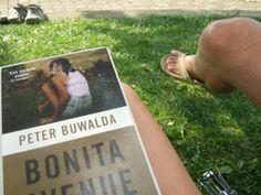 Bonita avenue van Peter Buwalda: meeslepend!!!!