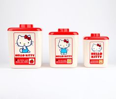 Love retro style Hello Kitty for the kitchen Cute Kitchen, Kitchen Items, Hello Kitty Kitchen, Everything Is Illuminated, Sweet Home Design, Vintage Cupcake, Miss Kitty, Kawaii, Sanrio Characters