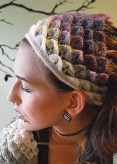 My first WordPress Exclusive Pattern! This simple Crocodile Stitch Head Kerchief was something I promised myself that I would make for my daughter if I had yarn left from making her shrug. Well, I …